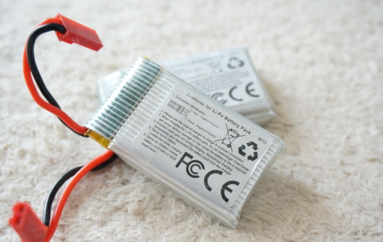 ドローンのバッテリーが膨らみ短寿命に!?急速充電は控えるべし。