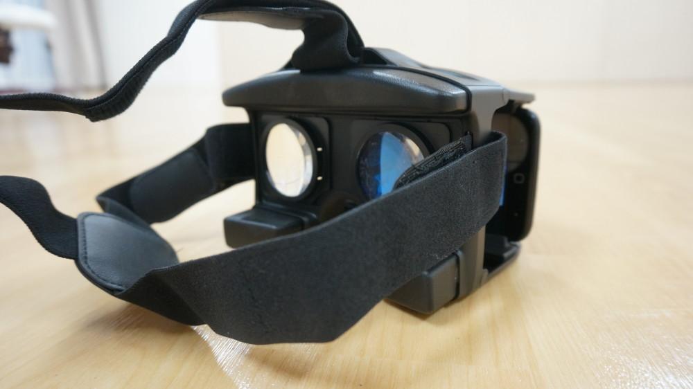 VRグラスの装着