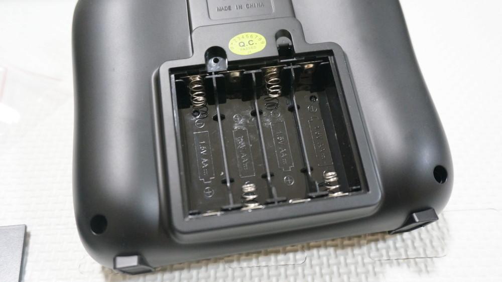 単三電池4つ