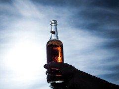 酒酔いドローン操縦など禁止へ。罰則付きの航空法改正案が検討される件。