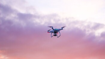 ドローン飛行の許可基準の改正(2021.03~)に至る規制改革とは何かのか?